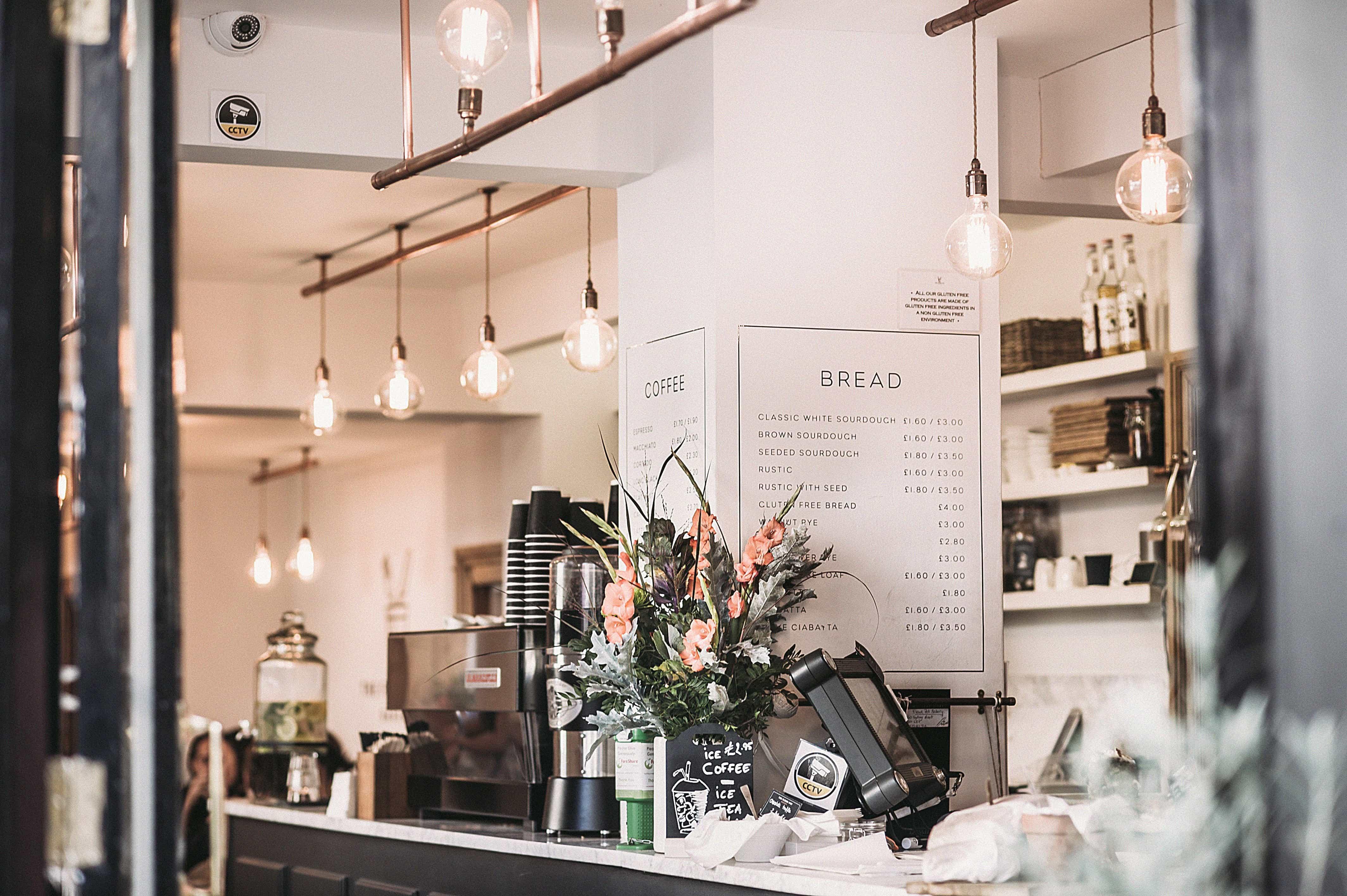 arredare un bar in stile industrial